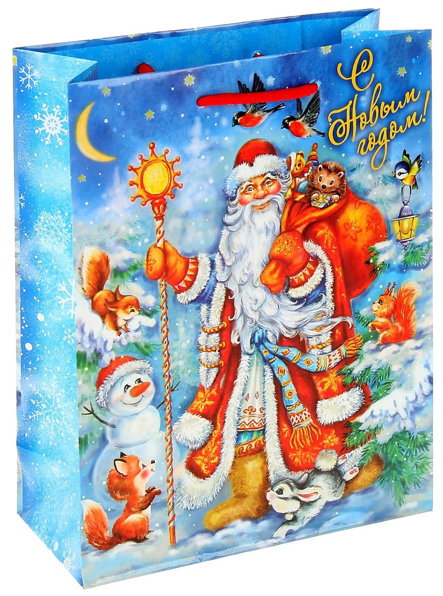 Пакет подарочный Sima-land Новогодний лес, вертикальный, 18 х 23 см1052965Сделанная своими руками оригинальная упаковка выделит презент из массы других, расскажет о ваших тёплых чувствах, наполнит праздник сказочной атмосферой. Благодаря нашему набору для творчества сделать её не составит труда! Следуйте инструкции, и вы легко создадите яркую, привлекающую внимание коробочку.