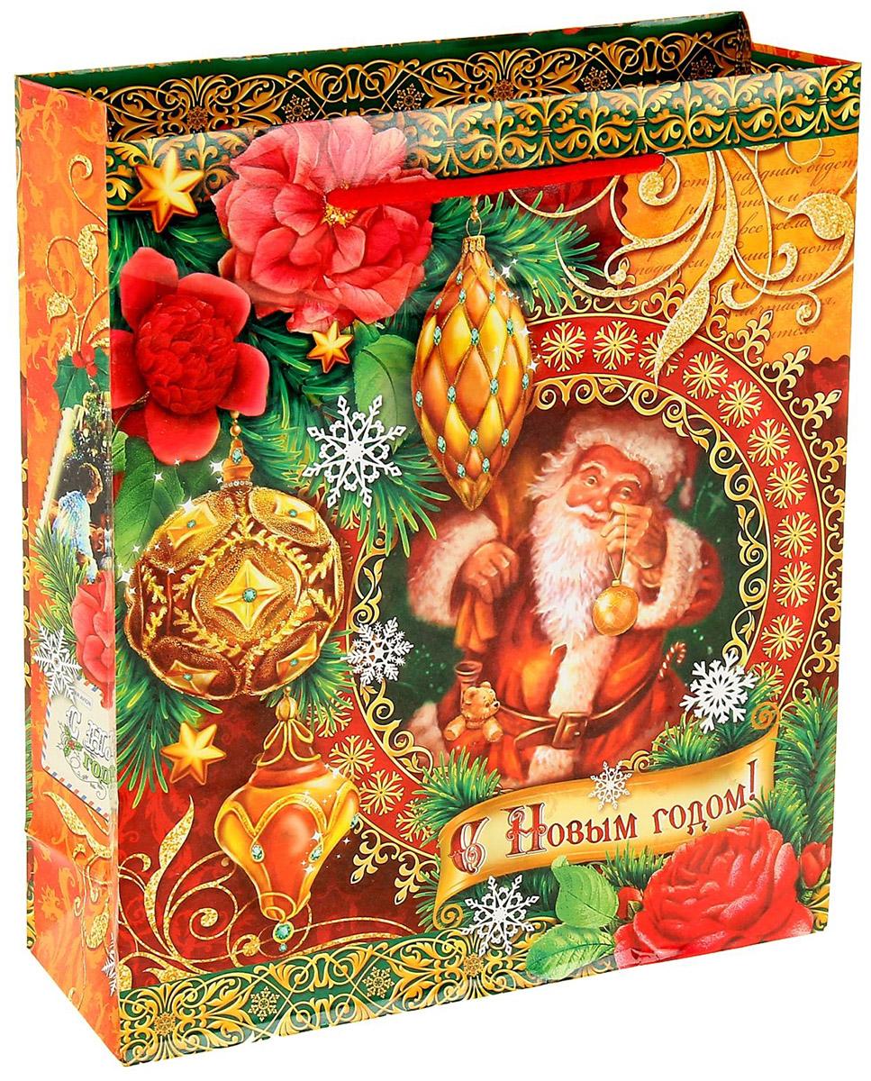 Пакет подарочный Sima-land Новогодние игрушки, 18 х 23 см1052969Подарочный пакет Sima-land, изготовленный из плотной бумаги, станет незаменимым дополнением к выбранному подарку. Дно изделия укреплено плотным картоном, который позволяет сохранить форму и исключает возможность деформации дна под тяжестью подарка. Для удобной переноски имеются две ручки из шнурков.Подарок, преподнесенный в оригинальной упаковке, всегда будет самым эффектным и запоминающимся. Окружите близких людей вниманием и заботой, вручив презент в нарядном, праздничном оформлении.