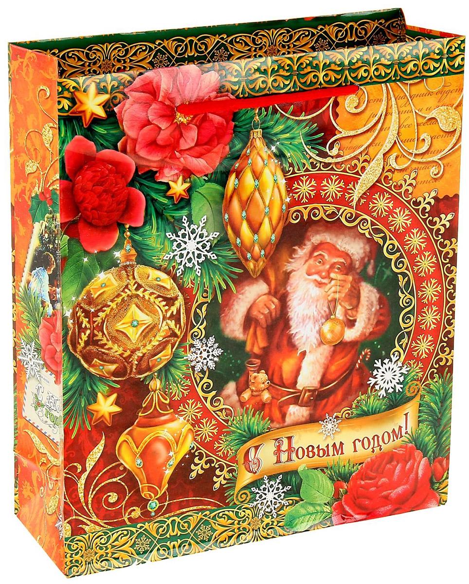 Пакет подарочный Sima-land Новогодние игрушки, 31 х 40 см1052971Подарочный пакет Sima-land, изготовленный из плотной бумаги, станет незаменимым дополнением к выбранному подарку. Дно изделия укреплено плотным картоном, который позволяет сохранить форму и исключает возможность деформации дна под тяжестью подарка. Для удобной переноски имеются две ручки из шнурков.Подарок, преподнесенный в оригинальной упаковке, всегда будет самым эффектным и запоминающимся. Окружите близких людей вниманием и заботой, вручив презент в нарядном, праздничном оформлении.