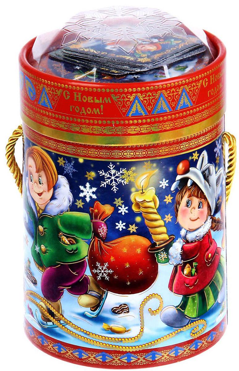 Коробка-тубус подарочная Sima-land Детишки, 11,5 х 15 см1118873Любой подарок начинается с упаковки. Что может быть трогательнее и волшебнее, чем ритуал разворачивания полученного презента. И именно оригинальная, со вкусом выбранная упаковка выделит ваш подарок из массы других. Подарочная коробка-тубус Sima-land продемонстрирует самые теплые чувства к виновнику торжества и создаст сказочную атмосферу праздника.