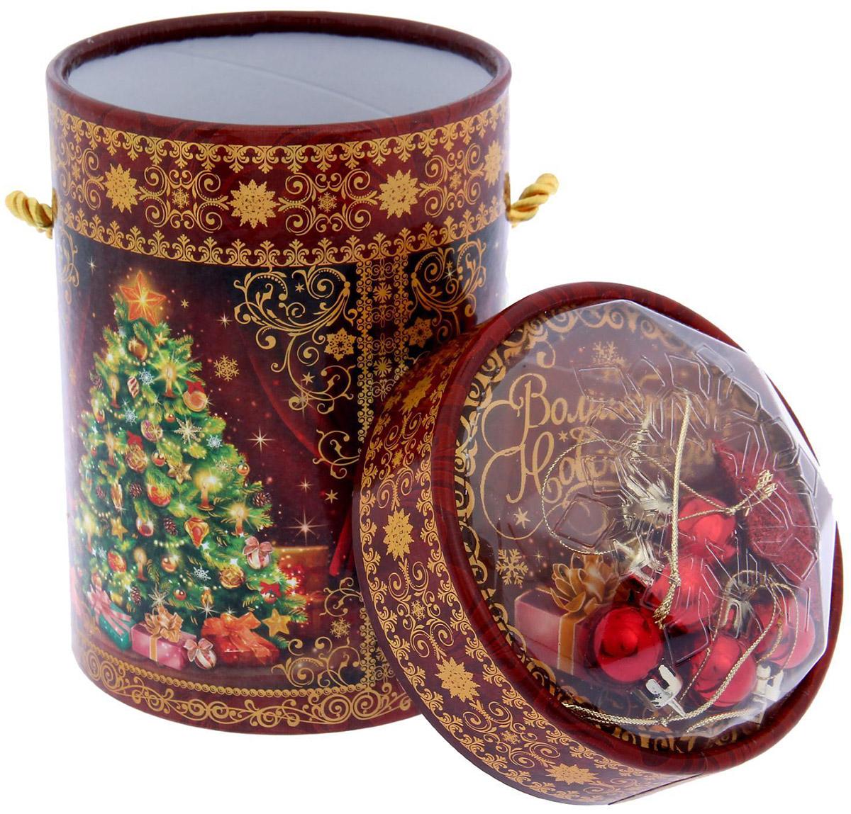 Коробка подарочная Sima-land Елочка, 11,5 х 15 см1118874Любой подарок начинается с упаковки. Что может быть трогательнее и волшебнее, чем ритуал разворачивания полученного презента. И именно оригинальная, со вкусом выбранная упаковка выделит ваш подарок из массы других. Она продемонстрирует самые теплые чувства к виновнику торжества и создаст сказочную атмосферу праздника.