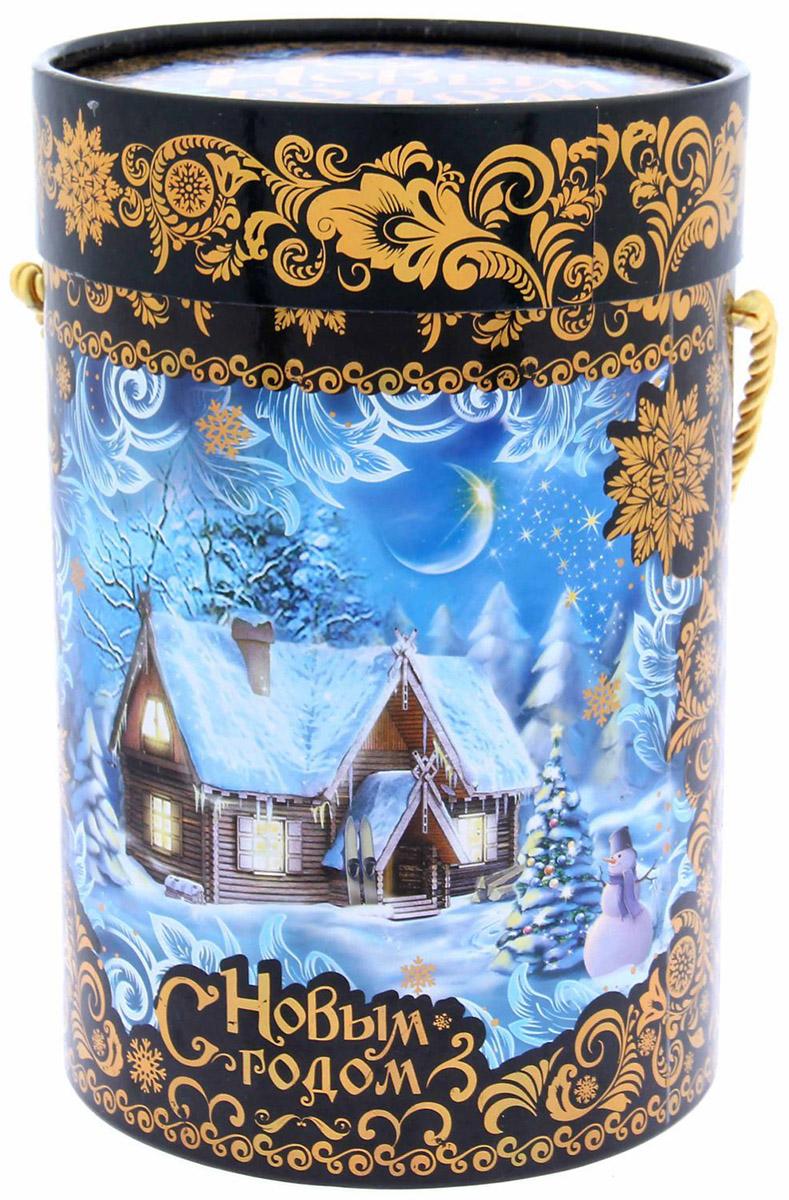 Коробка-тубус подарочная Sima-land Счастья Вашему дому, 13,5 х 19 см1118881Любой подарок начинается с упаковки. Что может быть трогательнее и волшебнее, чем ритуал разворачивания полученного презента. И именно оригинальная, со вкусом выбранная упаковка выделит ваш подарок из массы других. Подарочная коробка-тубус Sima-land продемонстрирует самые теплые чувства к виновнику торжества и создаст сказочную атмосферу праздника.