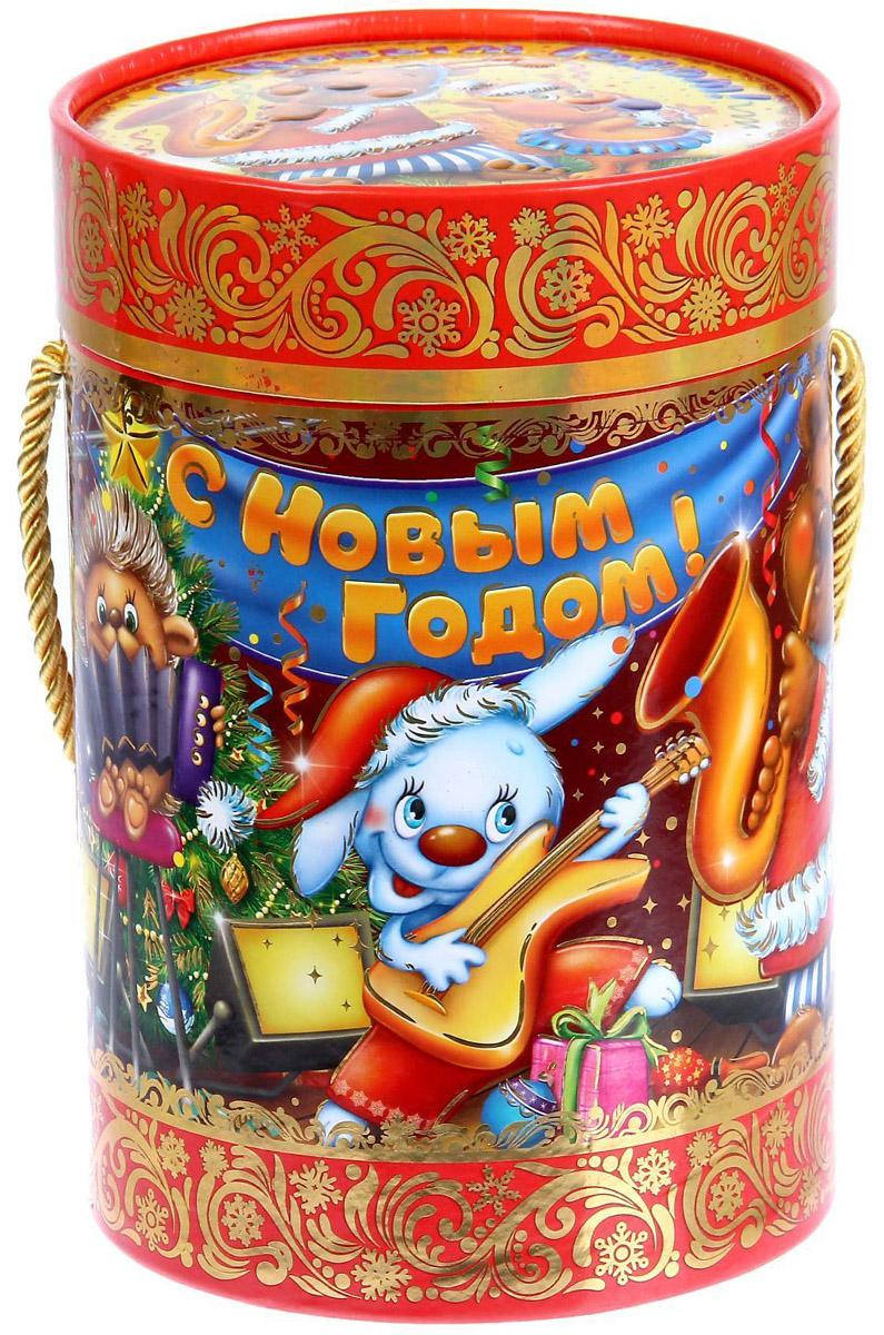 Коробка-тубус подарочная Sima-land Волшебного праздника, 13,5 х 19 см1118886Любой подарок начинается с упаковки. Что может быть трогательнее и волшебнее, чем ритуал разворачивания полученного презента. И именно оригинальная, со вкусом выбранная упаковка выделит ваш подарок из массы других. Подарочная коробка-тубус Sima-land продемонстрирует самые теплые чувства к виновнику торжества и создаст сказочную атмосферу праздника.