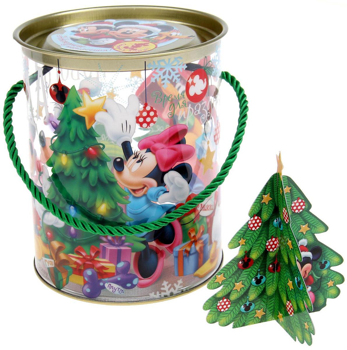 """Коробка-тубус подарочная Disney """"Веселого Нового года!"""" выполнена из пластика. Любой подарок начинается с упаковки. Что может быть трогательнее и волшебнее, чем ритуал разворачивания полученного презента. И именно оригинальная, со вкусом выбранная упаковка выделит ваш подарок из массы других. Она продемонстрирует самые теплые чувства к виновнику торжества и создаст сказочную атмосферу праздника."""