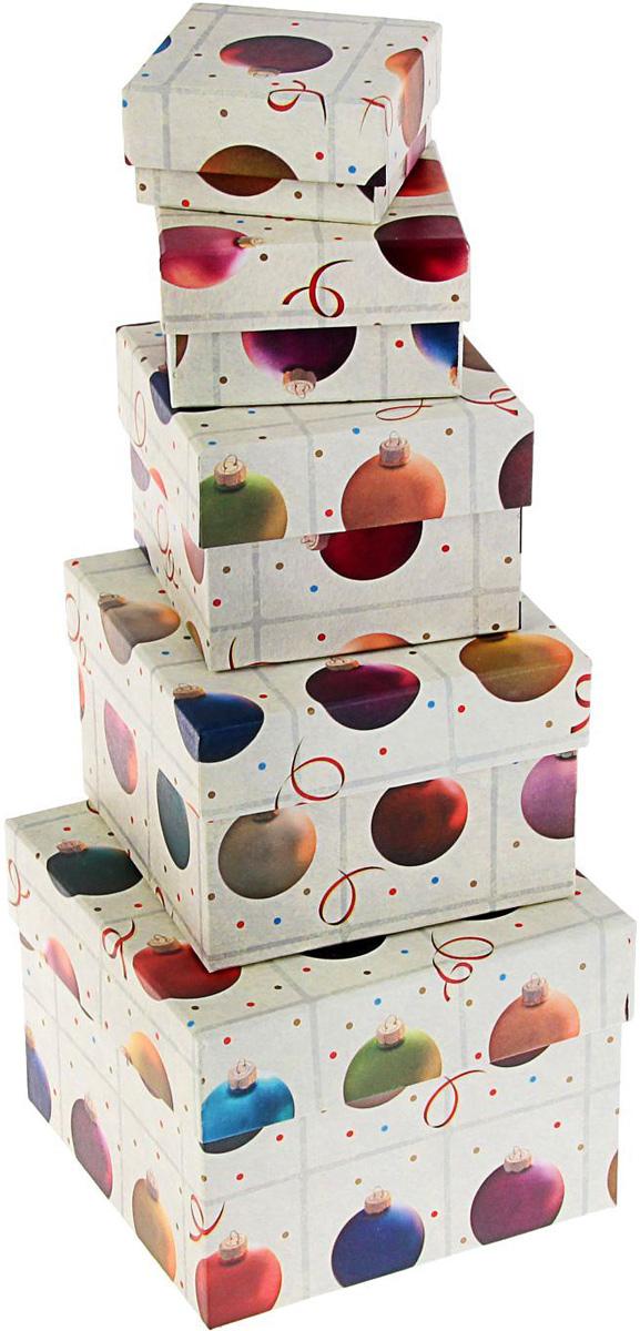 Набор коробок Sima-land Елочные шары, 12 х 12 х 9 см, 6 х 6 х 3 см1219438Сделанная своими руками оригинальная упаковка выделит презент из массы других, расскажет о ваших теплых чувствах, наполнит праздник сказочной атмосферой. Благодаря нашему набору для творчества сделать ее не составит труда! Следуйте инструкции, и вы легко создадите яркую, привлекающую внимание коробочку.