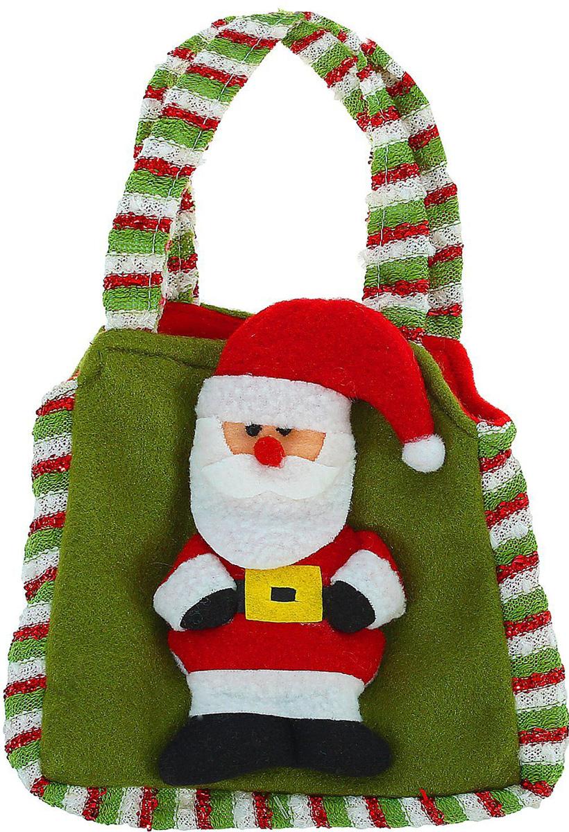 Сумка подарочная Sima-land Дед мороз. 13088381308838Тематическая сумка станет прекрасным оформлением вашего гостинца. В нее можно положить что угодно: конфеты, игрушки, любые приятные мелочи. Она сделает ваш презент особенным и сама станет запоминающимся подарком. А обычные сладости, упакованные таким образом, превратятся в настоящий сюрприз.