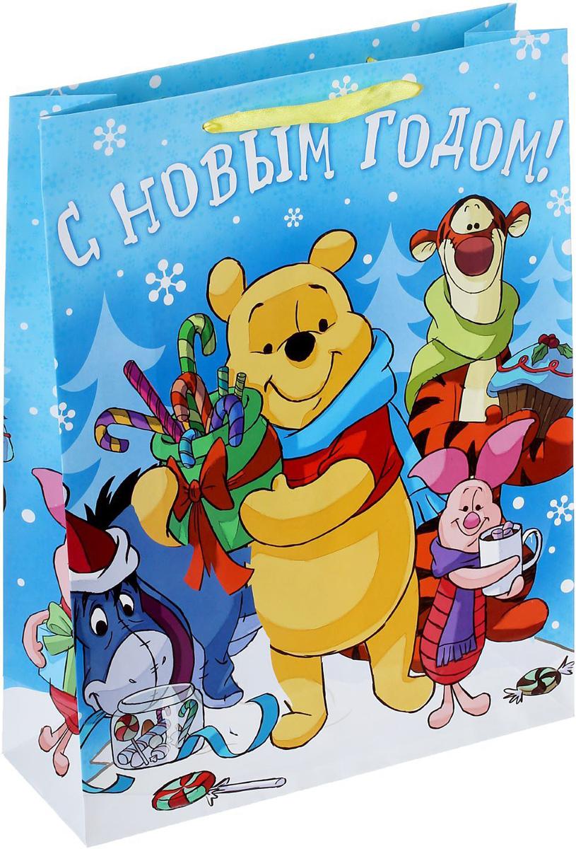 Пакет подарочный Disney Медвежонок Винни и его друзья. Сладкого Нового года!, 31 х 40 х 9 см. 13521171352117Подарочный пакет Disney Медвежонок Винни и его друзья. Сладкого Нового года!, изготовленный из картона, станет незаменимым дополнением к выбранному подарку. Для удобной переноски на пакете имеются две ручки.Подарок, преподнесенный в оригинальной упаковке, всегда будет самым эффектным и запоминающимся. Окружите близких людей вниманием и заботой, вручив презент в нарядном, праздничном оформлении.