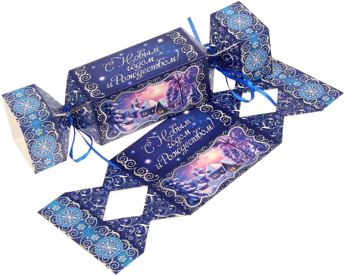 Коробка-конфета складная Sima-land С Новым годом и Рождеством!, 11 х 5 см1363330Любой подарок начинается с упаковки. Что может быть трогательнее и волшебнее, чем ритуал разворачивания полученного презента. И именно оригинальная, со вкусом выбранная упаковка выделит ваш подарок из массы других. Подарочная складная коробка-конфета Sima-land продемонстрирует самые теплые чувства к виновнику торжества и создаст сказочную атмосферу праздника.