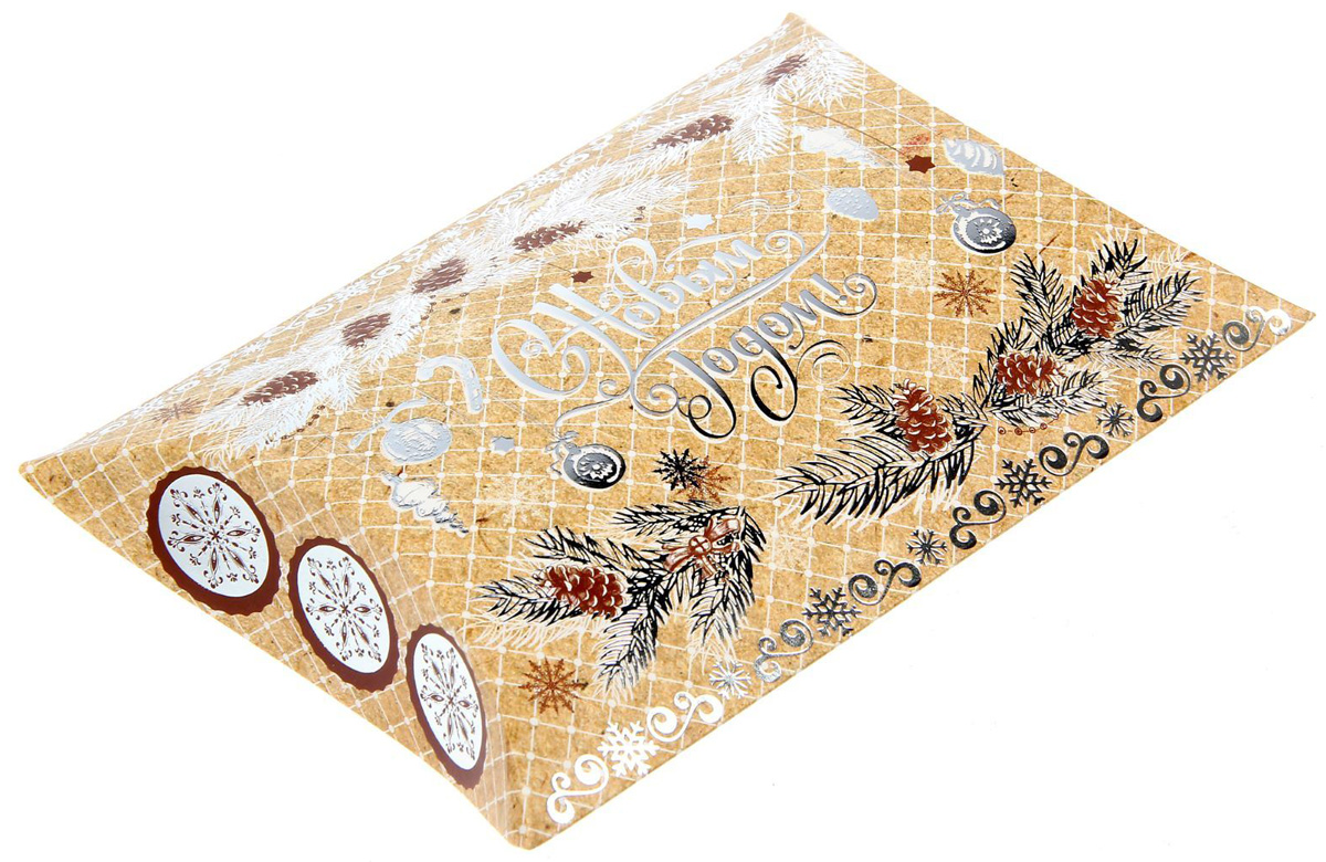 Коробка сборная фигурная Sima-land Еловые веточки, 19 х 14 см1383878Любой подарок начинается с упаковки. Что может быть трогательнее и волшебнее, чем ритуал разворачивания полученного презента. И именно оригинальная, со вкусом выбранная упаковка выделит ваш подарок из массы других. Подарочная коробка Sima-land продемонстрирует самые теплые чувства к виновнику торжества и создаст сказочную атмосферу праздника.