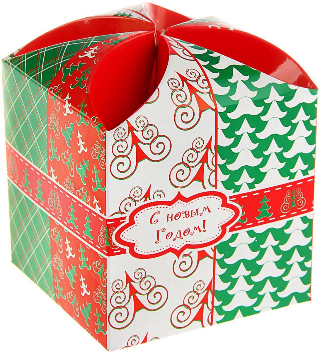 Коробка подарочная Sima-land Веселая елочка, сборная, 9 х 9 х 9,5 см1689941Любой подарок начинается с упаковки. Что может быть трогательнее и волшебнее, чем ритуал разворачивания полученного презента. И именно оригинальная, со вкусом выбранная упаковка выделит ваш подарок из массы других. Подарочная сборная коробка Sima-land продемонстрирует самые теплые чувства к виновнику торжества и создаст сказочную атмосферу праздника.