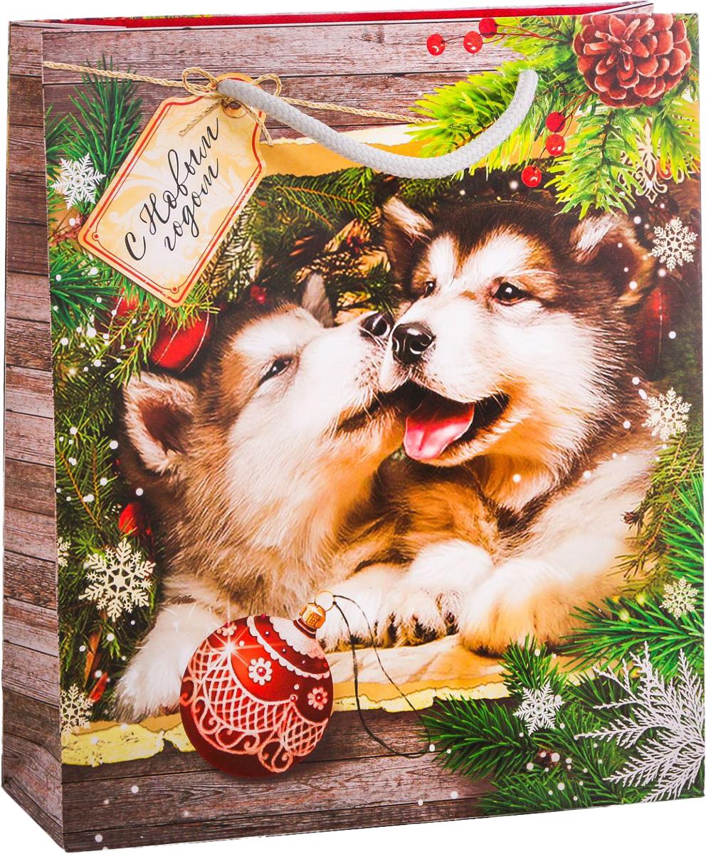 Пакет подарочный Дарите Счастье Снежный Новый год, вертикальный, 23 х 27 х 8 см2113743Привлекательная упаковка послужит достойным украшением любого, даже самого скромного подарка. Она поможет создать интригу и продлить время предвкушения чуда - момента, когда презент окажется в руках адресата. Подарочный пакет Дарите Счастье Снежный Новый год имеет яркий, оригинальный дизайн, который обязательно понравится получателю! Изделие выполнено из плотной бумаги, благодаря чему обеспечит надёжную защиту содержимого.Размер: 23 х 27 х 8 см.