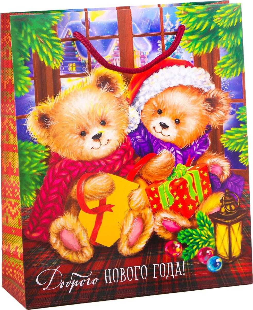 Пакет подарочный Дарите Счастье Добра в Новом году!, вертикальный, 23 х 27 х 8 см2113759Привлекательная упаковка послужит достойным украшением любого, даже самого скромного подарка. Она поможет создать интригу и продлить время предвкушения чуда - момента, когда презент окажется в руках адресата. Подарочный пакет Дарите Счастье Добра в Новом году! имеет яркий, оригинальный дизайн, который обязательно понравится получателю! Изделие выполнено из плотной бумаги, благодаря чему обеспечит надёжную защиту содержимого.Размер: 23 х 27 х 8 см.