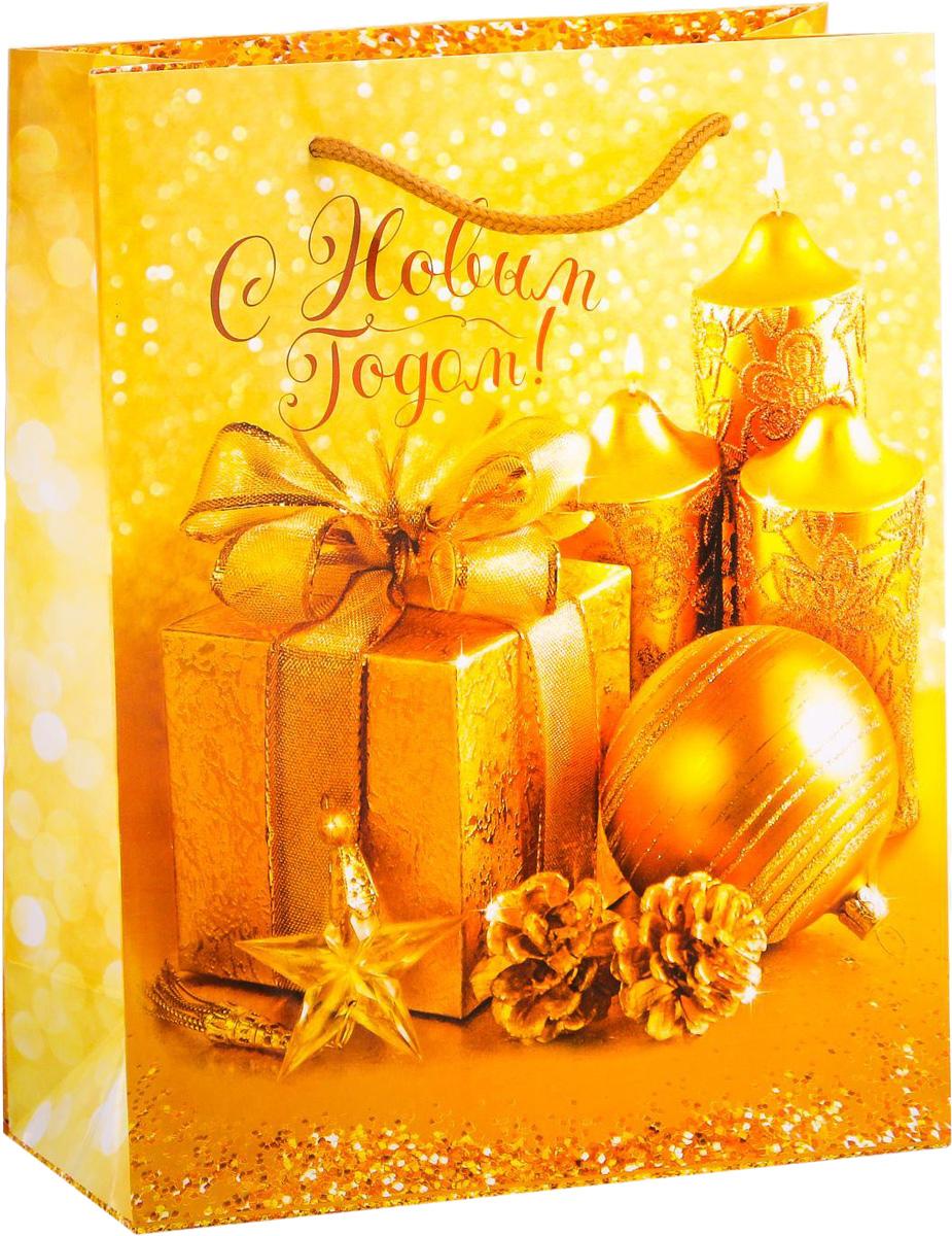 Пакет подарочный Дарите Счастье Дороже золота, вертикальный, 18 х 23 х 8 см2113826Привлекательная упаковка послужит достойным украшением любого, даже самого скромного подарка. Она поможет создать интригу и продлить время предвкушения чуда - момента, когда презент окажется в руках адресата. Подарочный пакет Дарите Счастье Дороже золота имеет яркий, оригинальный дизайн, который обязательно понравится получателю! Изделие выполнено из плотной бумаги, благодаря чему обеспечит надёжную защиту содержимого.Размер: 18 х 23 х 8 см.