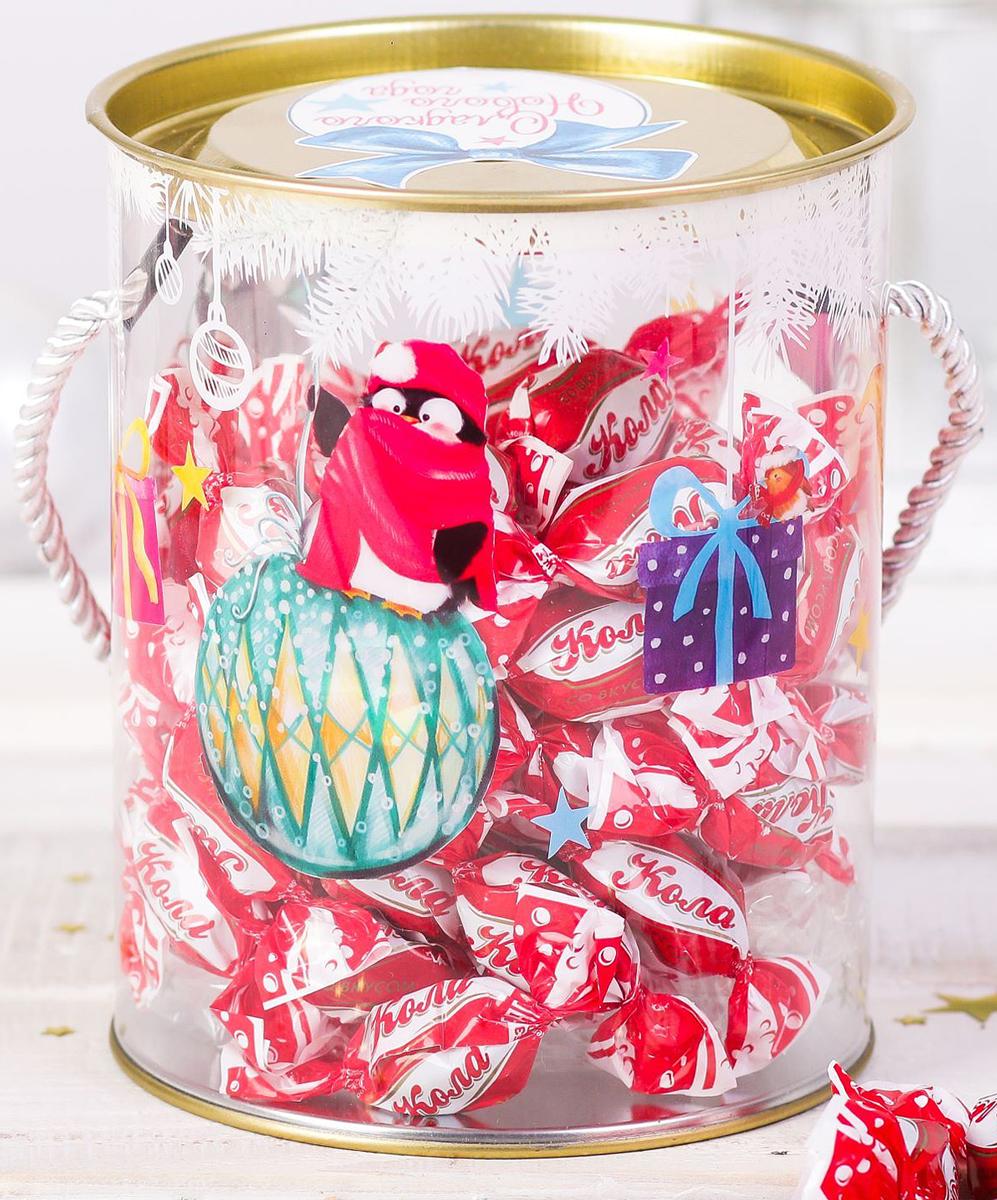 Коробка-тубус подарочная Sima-land Озорные ребята, 12 х 15 см2346372Любой подарок начинается с упаковки. Что может быть трогательнее и волшебнее, чем ритуал разворачивания полученного презента. И именно оригинальная, со вкусом выбранная упаковка выделит ваш подарок из массы других. Подарочная коробка-тубус Sima-land продемонстрирует самые теплые чувства к виновнику торжества и создаст сказочную атмосферу праздника.