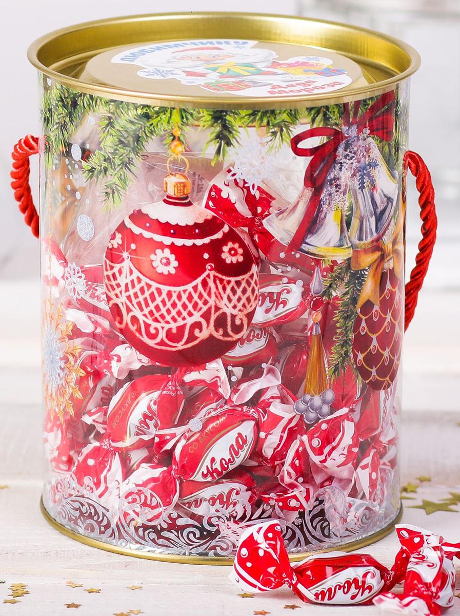 Коробка-тубус подарочная Sima-land Волшебство, 12 х 15 см2346375Любой подарок начинается с упаковки. Что может быть трогательнее и волшебнее, чем ритуал разворачивания полученного презента. И именно оригинальная, со вкусом выбранная упаковка выделит ваш подарок из массы других. Подарочная коробка-тубус Sima-land продемонстрирует самые теплые чувства к виновнику торжества и создаст сказочную атмосферу праздника.