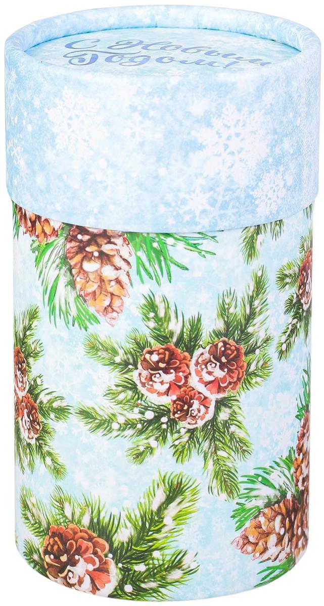 Коробка-тубус подарочная Sima-land Зимний лес, 8 х 14,5 см2353306Любой подарок начинается с упаковки. Что может быть трогательнее и волшебнее, чем ритуал разворачивания полученного презента. И именно оригинальная, со вкусом выбранная упаковка выделит ваш подарок из массы других. Подарочная коробка-тубус Sima-land продемонстрирует самые теплые чувства к виновнику торжества и создаст сказочную атмосферу праздника.