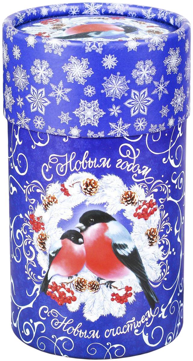 Коробка-тубус подарочная Sima-land С Новым годом!, 8 х 14,5 см2353307Любой подарок начинается с упаковки. Что может быть трогательнее и волшебнее, чем ритуал разворачивания полученного презента. И именно оригинальная, со вкусом выбранная упаковка выделит ваш подарок из массы других. Подарочная коробка-тубус Sima-land продемонстрирует самые теплые чувства к виновнику торжества и создаст сказочную атмосферу праздника.