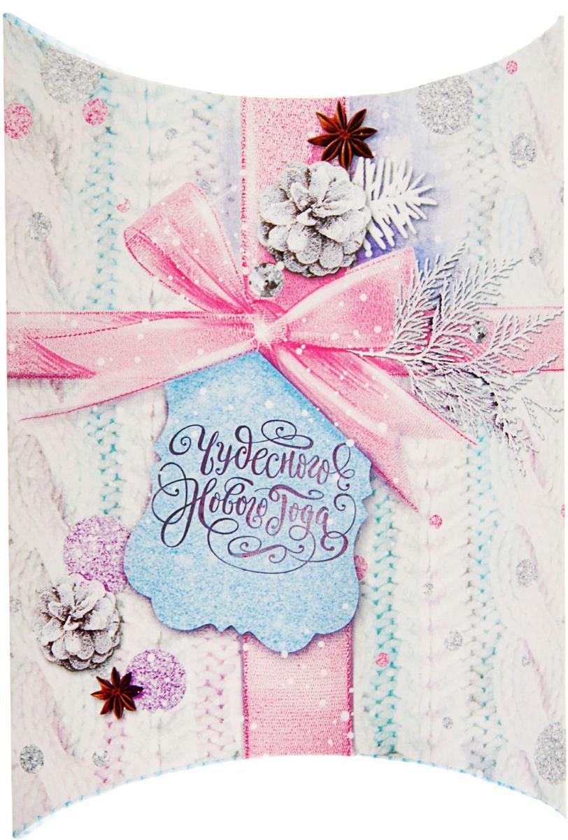 Коробка сборная фигурная Sima-land Новый год в стиле Шебби, 19 х 14 см2427881Любой подарок начинается с упаковки. Что может быть трогательнее и волшебнее, чем ритуал разворачивания полученного презента. И именно оригинальная, со вкусом выбранная упаковка выделит ваш подарок из массы других. Подарочная коробка Sima-land продемонстрирует самые теплые чувства к виновнику торжества и создаст сказочную атмосферу праздника.