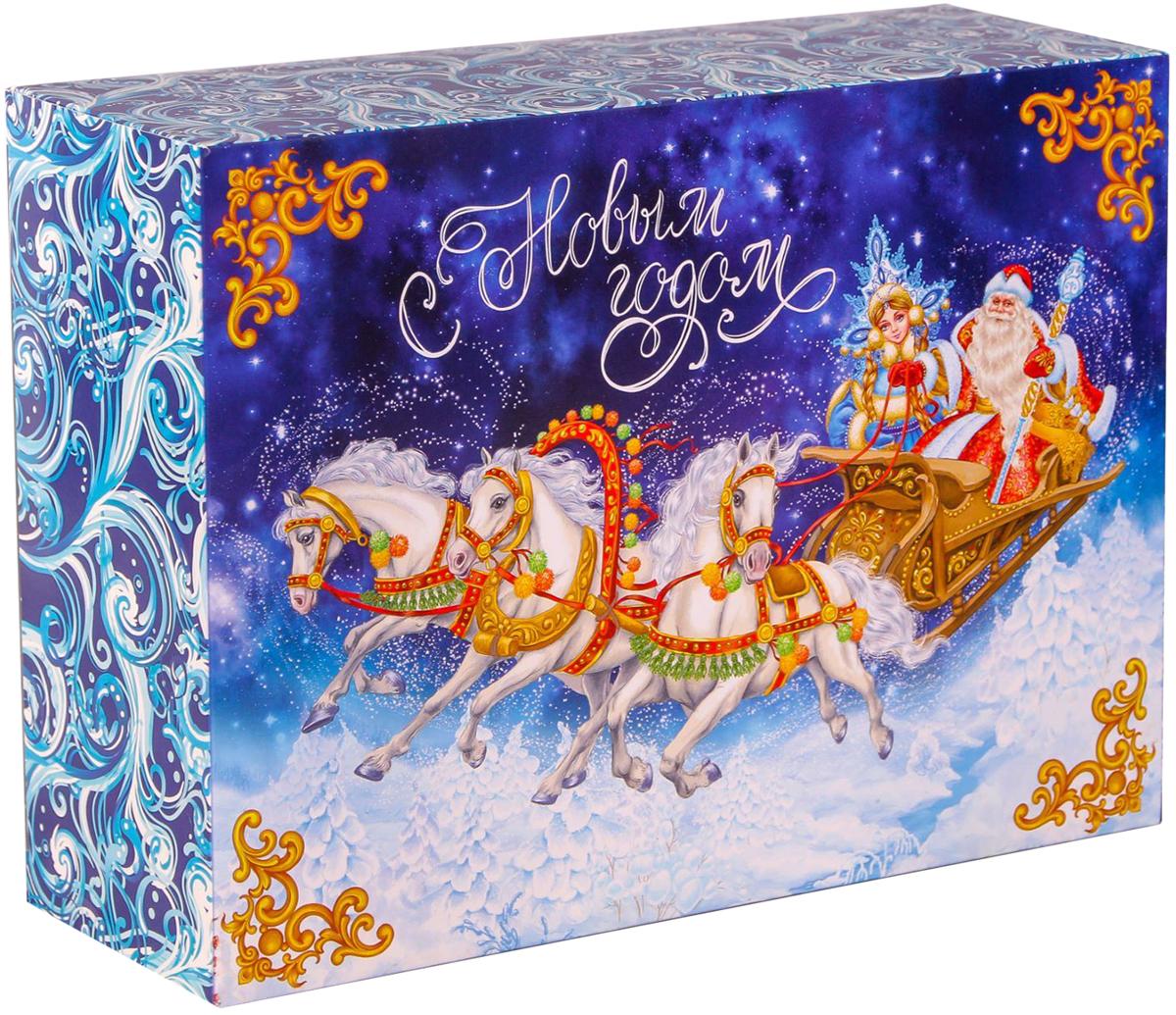 Коробка складная Дарите счастье Тройка лошадей, цвет: синий, белый, 22 х 30 х 10 см2450836Любой подарок начинается с упаковки. Что может быть трогательнее и волшебнее, чем ритуал разворачивания полученного презента. И именно оригинальная, со вкусом выбранная упаковка выделит ваш подарок из массы других. Складная коробка Дарите счастье Зимние мандарины продемонстрирует самые теплые чувства к виновнику торжества и создаст сказочную атмосферу праздника. Размер: 22 х 30 х 10 см.