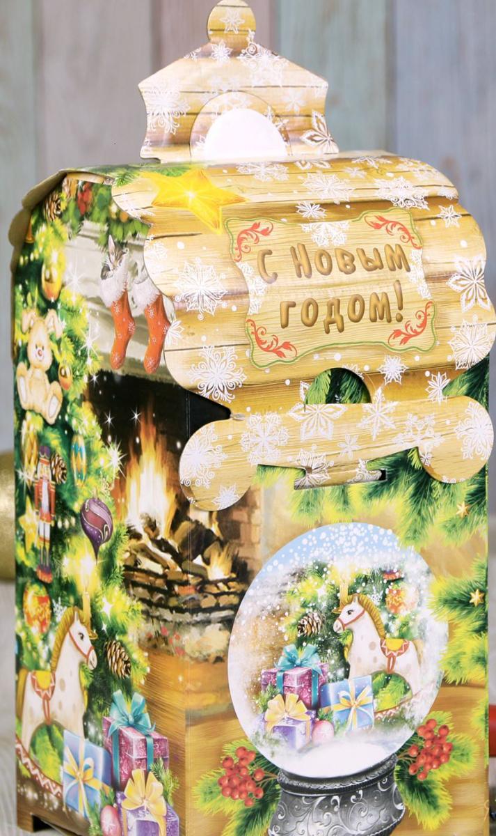 Коробка складная Дарите счастье Новый год у камина, 13,5 х 13,5 х 26 см2482942Любой подарок начинается с упаковки. Что может быть трогательнее и волшебнее, чем ритуал разворачивания полученного презента. И именно оригинальная, со вкусом выбранная упаковка выделит ваш подарок из массы других. Она продемонстрирует самые теплые чувства к виновнику торжества и создаст сказочную атмосферу праздника.