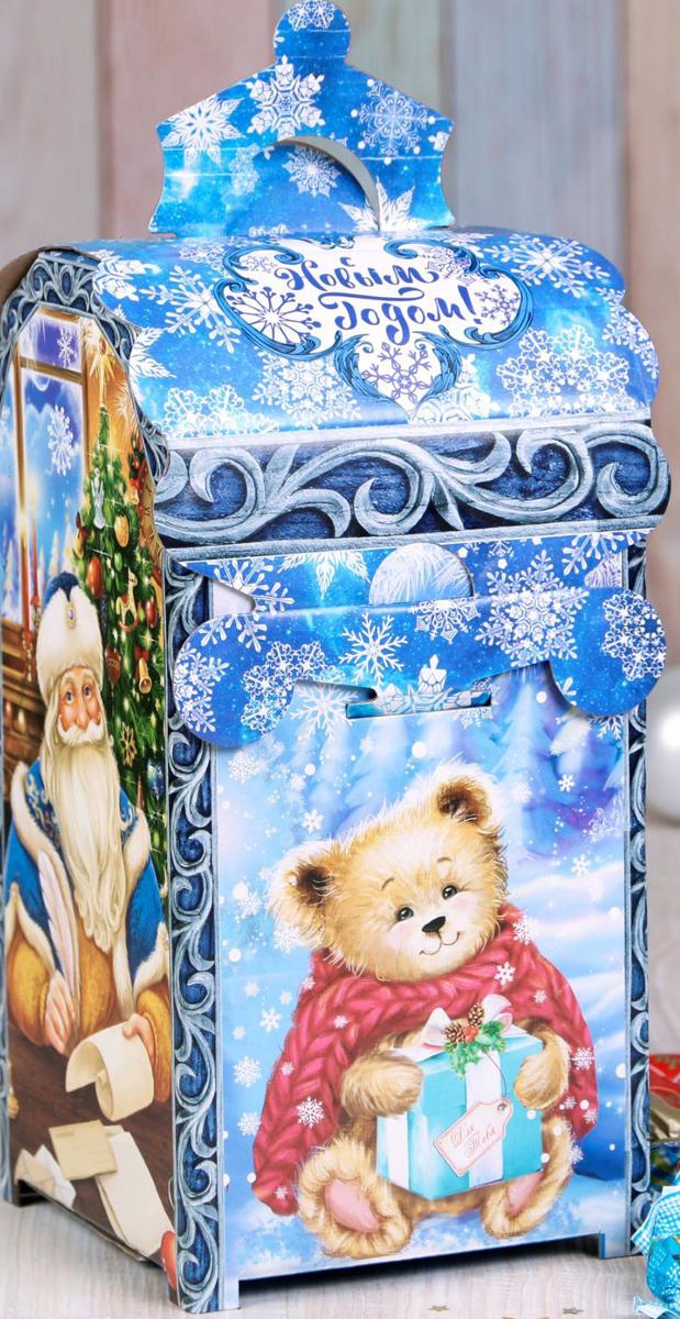 Коробка складная Дарите счастье От Дедушки Мороза и Снегурочки, 13,5 х 13,5 х 26 см2482943Любой подарок начинается с упаковки. Что может быть трогательнее и волшебнее, чем ритуал разворачивания полученного презента. И именно оригинальная, со вкусом выбранная упаковка выделит ваш подарок из массы других. Она продемонстрирует самые теплые чувства к виновнику торжества и создаст сказочную атмосферу праздника.