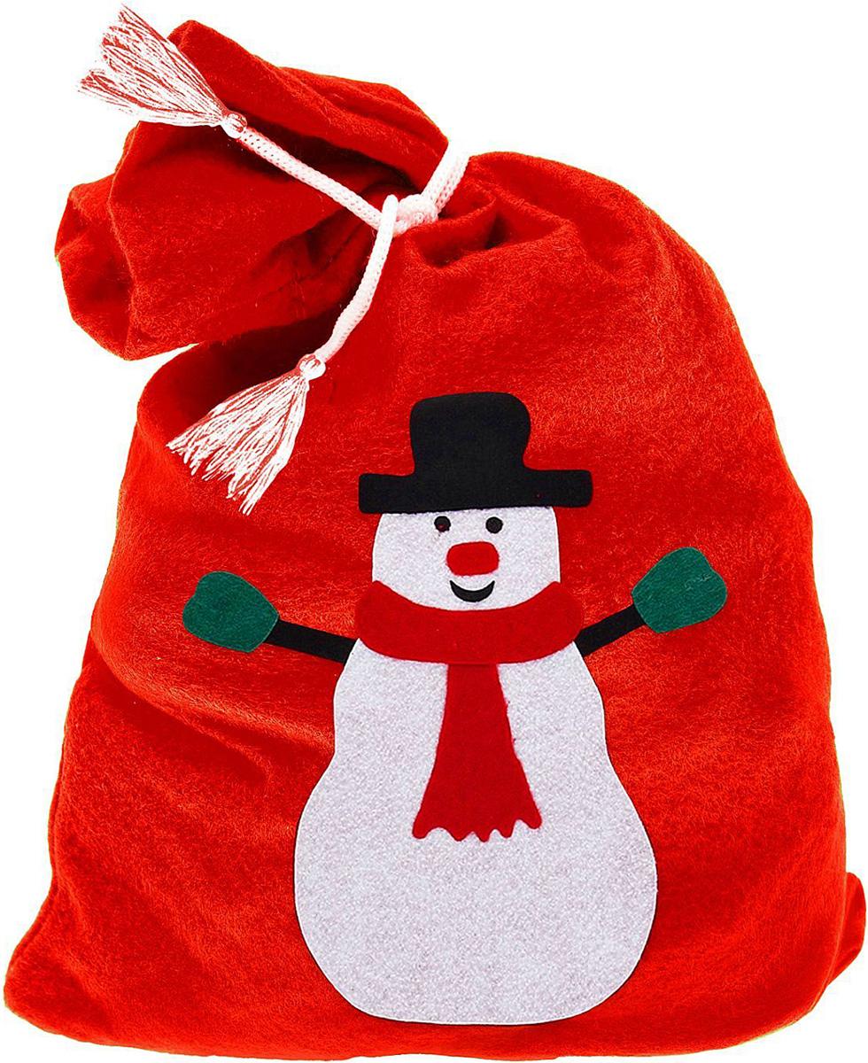 Упаковка подарочная Страна Карнавалия Карнавал. Мешок снеговик, цвет: красный, 50 х 70 см328638Упаковка - это одна из важных составляющих самого подарка! Дарите ли вы сувениры родственникам, или выбираете подарок для самого близкого человека - правильно подобранная подарочная упаковка усилит радость от самого подарка и поднимет настроение.Подарочная упаковка Страна Карнавалия Карнавал. Мешок поздравление Деда Мороза - это отличный выбор, который привнесет атмосферу праздника в ваш дом!Размер: 50 х 70 см.