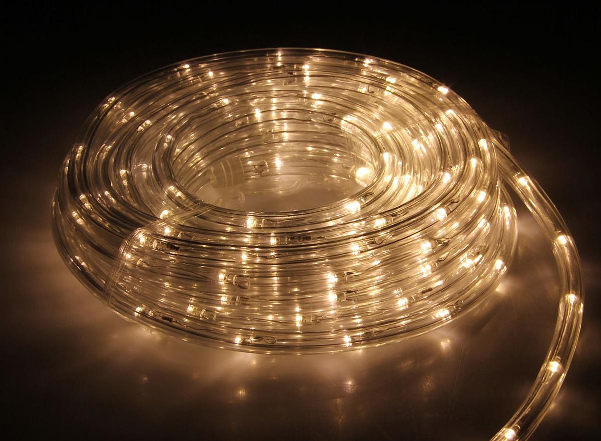 Гирлянда светодиодная Luazon, 120 ламп, 8 режимов, 220 V, цвет: теплый белый, 1 см х 5 м. 15898191589819Светодиодные гирлянды, ленты и т.д — это отличный вариант для новогоднего оформления интерьера или фасада. С их помощью помещение любого размера можно превратить в праздничный зал, а внешние элементы зданий, украшенные ими, мгновенно станут напоминать очертания сказочного дворца. Такие украшения создают ауру предвкушения чуда. Деревья, фасады, витрины, окна и арки будто специально созданы, чтобы вы украсили их светящимися нитями.