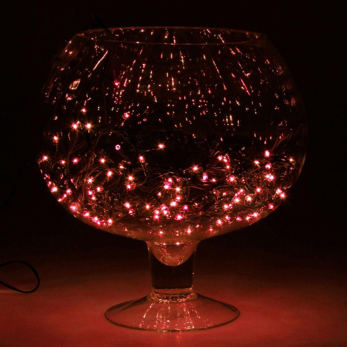 Гирлянда светодиодная Luazon Метраж, цвет: красный, 150 ламп, 8 режимов, 220 V, длина 13 м. 671025671025Светодиодные гирлянды и ленты — это отличный вариант для новогоднего оформления интерьера или фасада. С их помощью помещение любого размера можно превратить в праздничный зал, а внешние элементы зданий, украшенные ими, мгновенно станут напоминать очертания сказочного дворца. Такие украшения создают ауру предвкушения чуда. Деревья, фасады, витрины, окна и арки будто специально созданы, чтобы вы украсили их светящимися нитями.