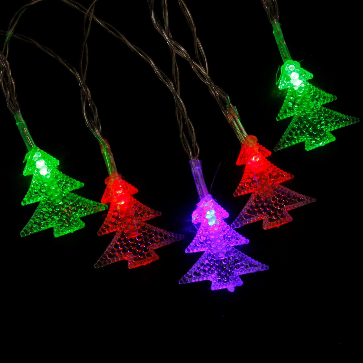 Гирлянда светодиодная Luazon Метраж. Елки, 20 ламп, 5 V, длина 3 м806830Светодиодные гирлянды и ленты — это отличный вариант для новогоднего оформления интерьера или фасада. С их помощью помещение любого размера можно превратить в праздничный зал, а внешние элементы зданий, украшенные ими, мгновенно станут напоминать очертания сказочного дворца. Такие украшения создают ауру предвкушения чуда. Деревья, фасады, витрины, окна и арки будто специально созданы, чтобы вы украсили их светящимися нитями.