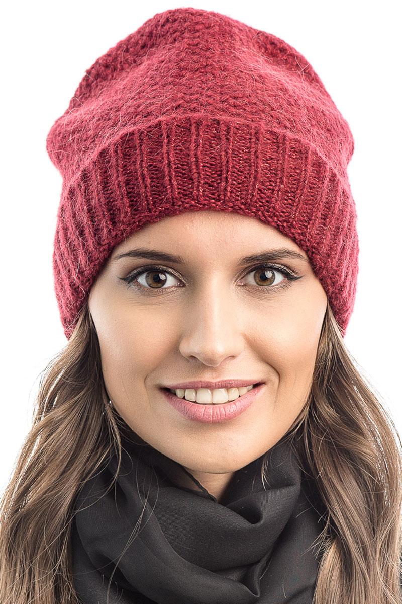 Шапка вязаная женская Stilla, цвет: красный. SH-1765/10. Размер 52/58SH-1765/10Элегантная вязаная женская шапка Stilla, изготовленная из пряжи с содержанием шерсти и акрила исключительно мягкая, комфортная и теплая. Одинарная вязка, декорированная ниткой люрекса, делает эту модель эффектной и не забываемой. Практичная форма шапки делает ее очень комфортной. Очень мягкая пряжа создает ощущение теплого пуха.Шапка Stilla прекрасно дополнит ваш образ с шубой или пальто.