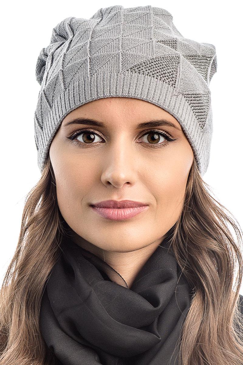 Шапка вязаная женская Stilla, цвет: серый. SH-1764/05. Размер 52/58SH-1764/05Элегантная вязаная женская шапка Stilla, изготовленная из пряжи с содержанием шерсти и акрила исключительно мягкая, комфортная и теплая. Мелкая плотная вязка, делает эту модель эффектной и не забываемой. Практичная форма шапки делает ее очень комфортной. Трикотажная подкладка отлично защитит в сильный холод.Шапка Stilla декорированная стразами, прекрасно дополнит ваш образ с шубой или пальто.