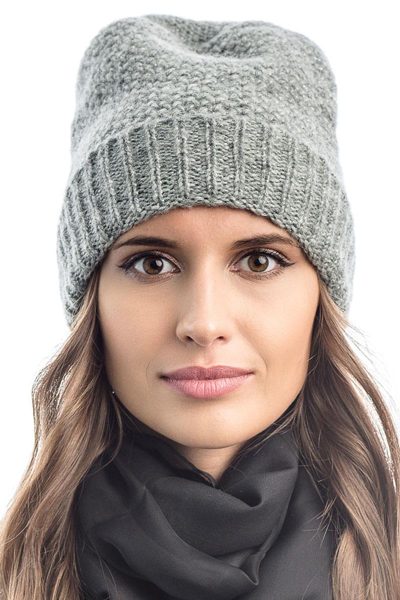 Шапка вязаная женская Stilla, цвет: серый. SH-1765/08. Размер 52/58SH-1765/08Элегантная вязаная женская шапка Stilla, изготовленная из пряжи с содержанием шерсти и акрила исключительно мягкая, комфортная и теплая. Одинарная вязка, декорированная ниткой люрекса, делает эту модель эффектной и не забываемой. Практичная форма шапки делает ее очень комфортной. Очень мягкая пряжа создает ощущение теплого пуха.Шапка Stilla прекрасно дополнит ваш образ с шубой или пальто.