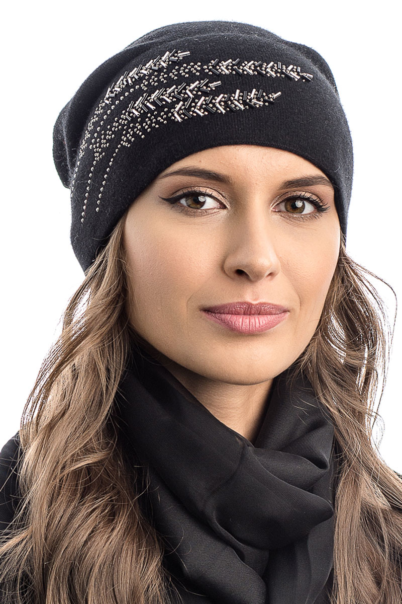 Шапка вязаная женская Stilla, цвет: черный. SH-1761/10. Размер 52/58SH-1761/10Элегантная вязаная женская шапка Stilla, изготовленная из пряжи с содержанием шерсти и акрила исключительно мягкая, комфортная и теплая. Мелкая одинарная вязка, декорированная украшениями делает эту модель не забываемой. Практичная форма шапки делает ее очень комфортной. Без подкладки с широким отворотом.Шапка Stilla прекрасно дополнит ваш образ с шубой или пальто.