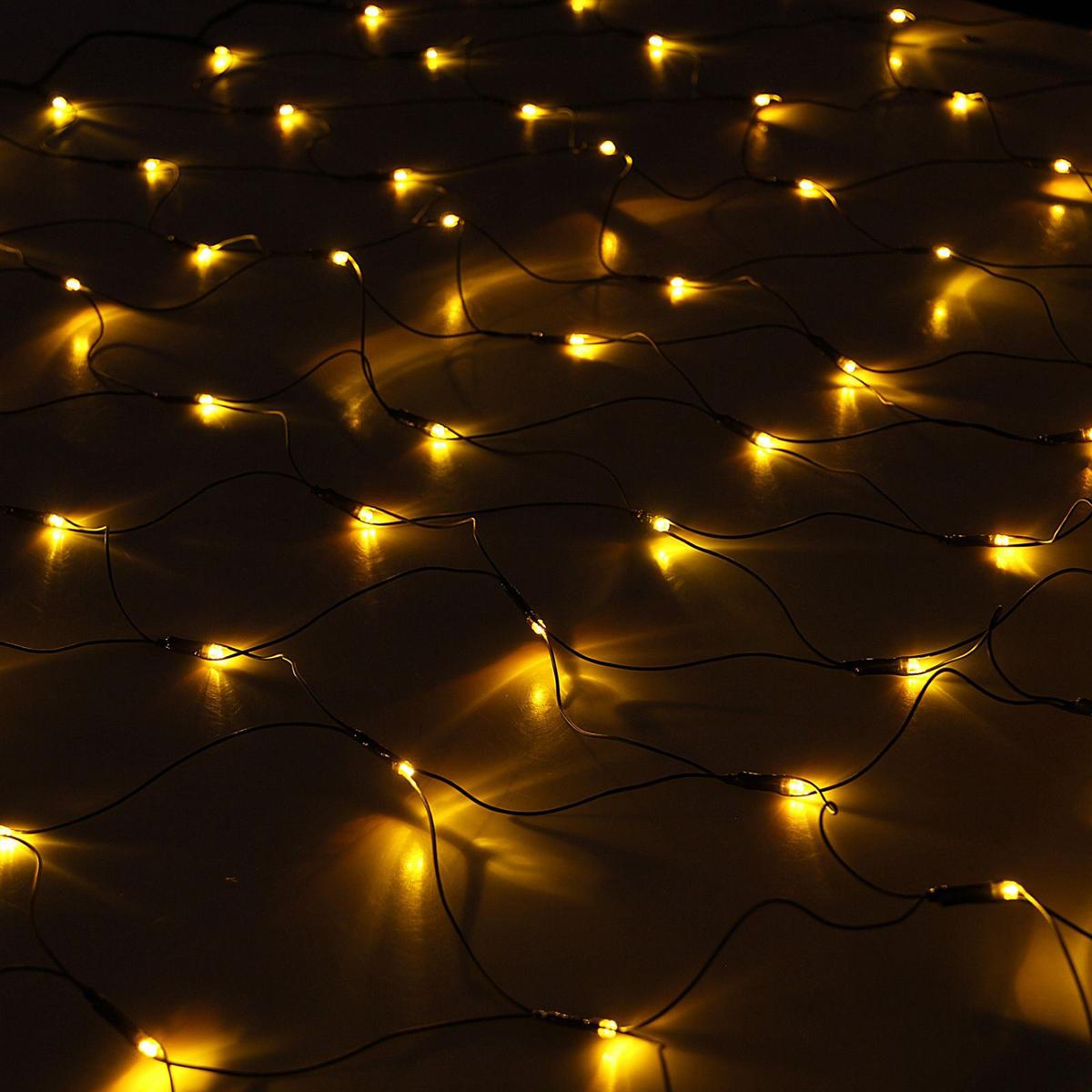 Гирлянда Luazon Сетка, длина 2 м, LED 224 лампы, 220V, цвет: желтый1585758Светодиодные гирлянды, ленты и т.д — это отличный вариант для новогоднего оформления интерьера или фасада. С их помощью помещение любого размера можно превратить в праздничный зал, а внешние элементы зданий, украшенные ими, мгновенно станут напоминать очертания сказочного дворца. Такие украшения создают ауру предвкушения чуда. Деревья, фасады, витрины, окна и арки будто специально созданы, чтобы вы украсили их светящимися нитями.