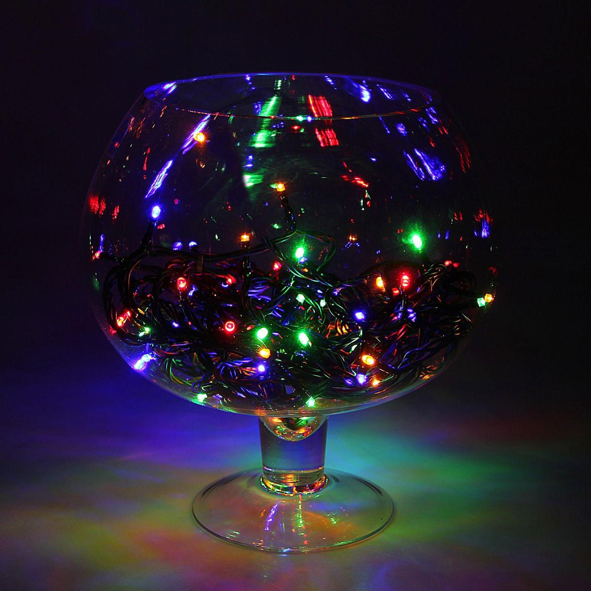 Гирлянда Luazon Метраж, длина 10 м, LED 100 ламп, 24В, цвет: мультиколор303-603Светодиодные гирлянды, ленты и т.д — это отличный вариант для новогоднего оформления интерьера или фасада. С их помощью помещение любого размера можно превратить в праздничный зал, а внешние элементы зданий, украшенные ими, мгновенно станут напоминать очертания сказочного дворца. Такие украшения создают ауру предвкушения чуда. Деревья, фасады, витрины, окна и арки будто специально созданы, чтобы вы украсили их светящимися нитями.