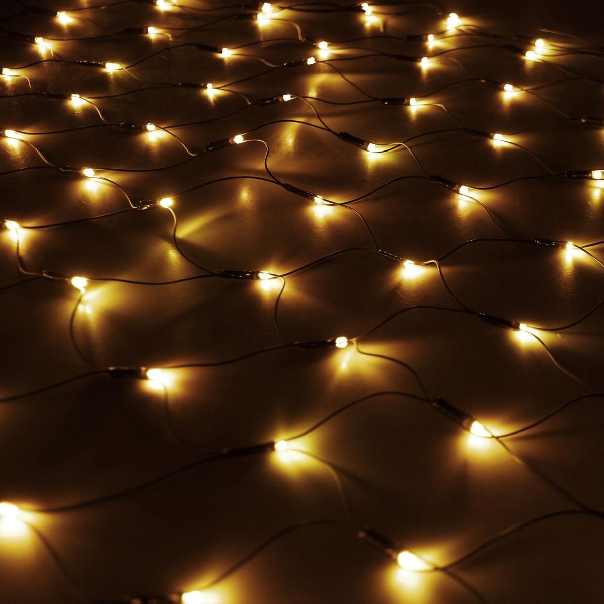 Гирлянда Luazon Сетка, длина 1,1 м, LED 144 ламп, 220V, цвет: желтый187225Светодиодные гирлянды, ленты и т.д — это отличный вариант для новогоднего оформления интерьера или фасада. С их помощью помещение любого размера можно превратить в праздничный зал, а внешние элементы зданий, украшенные ими, мгновенно станут напоминать очертания сказочного дворца. Такие украшения создают ауру предвкушения чуда. Деревья, фасады, витрины, окна и арки будто специально созданы, чтобы вы украсили их светящимися нитями.