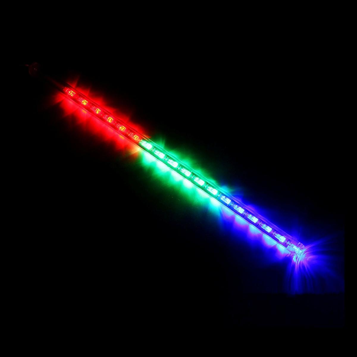 Светодиодная сосулька Luazon Тающая, длина 0,3 м, диаметр 2 см, LED 18 ламп, 220V, цвет: мультиколор678890Светодиодные гирлянды, ленты и т.д — это отличный вариант для новогоднего оформления интерьера или фасада. С их помощью помещение любого размера можно превратить в праздничный зал, а внешние элементы зданий, украшенные ими, мгновенно станут напоминать очертания сказочного дворца. Такие украшения создают ауру предвкушения чуда. Деревья, фасады, витрины, окна и арки будто специально созданы, чтобы вы украсили их светящимися нитями.