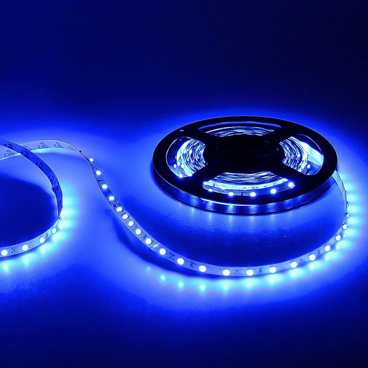 Светодиодная лента Sima-land, 12В, SMD3528, длина 5 м, IP33, 60 LED ламп, 4.8 Вт/м, DC, цвет: синий682305Светодиодные гирлянды, ленты и т.д — это отличный вариант для новогоднего оформления интерьера или фасада. С их помощью помещение любого размера можно превратить в праздничный зал, а внешние элементы зданий, украшенные ими, мгновенно станут напоминать очертания сказочного дворца. Такие украшения создают ауру предвкушения чуда. Деревья, фасады, витрины, окна и арки будто специально созданы, чтобы вы украсили их светящимися нитями.