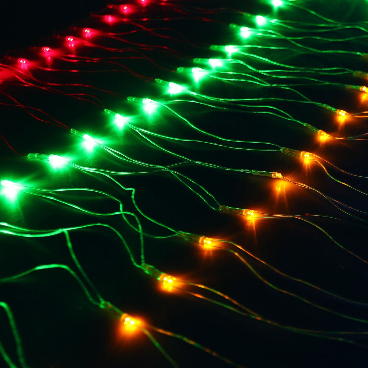 Гирлянда Luazon Сетка, длина 0,7 м, LED 96 ламп, 220V, цвет: мультиколор. 703314703314Светодиодные гирлянды, ленты и т.д — это отличный вариант для новогоднего оформления интерьера или фасада. С их помощью помещение любого размера можно превратить в праздничный зал, а внешние элементы зданий, украшенные ими, мгновенно станут напоминать очертания сказочного дворца. Такие украшения создают ауру предвкушения чуда. Деревья, фасады, витрины, окна и арки будто специально созданы, чтобы вы украсили их светящимися нитями.