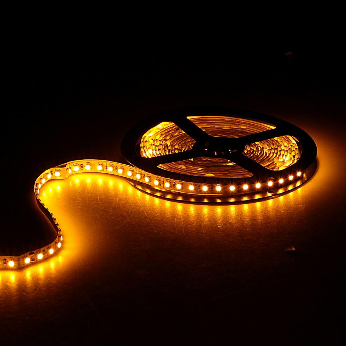 Светодиодная лента Sima-land, 12В, SMD3528, длина 5 м, IP33, 120 LED ламп, 9.6 Вт/м, 6-7 Лм/1 LED, DC, цвет: желтый. 848542848542Светодиодные гирлянды, ленты и т.д — это отличный вариант для новогоднего оформления интерьера или фасада. С их помощью помещение любого размера можно превратить в праздничный зал, а внешние элементы зданий, украшенные ими, мгновенно станут напоминать очертания сказочного дворца. Такие украшения создают ауру предвкушения чуда. Деревья, фасады, витрины, окна и арки будто специально созданы, чтобы вы украсили их светящимися нитями.