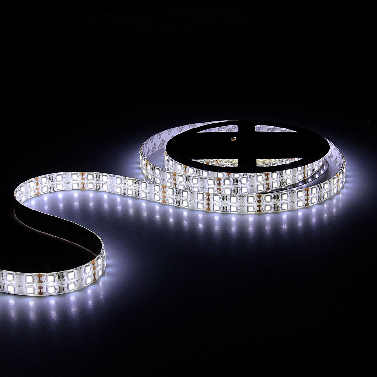 Светодиодная лента Sima-land, 12В, SMD5050, длина 5 м, IP65, 120 LED ламп, 28.8 Вт/м, 10-12 Лм/1 LED, DC, цвет: белый848557Светодиодные гирлянды, ленты и т.д — это отличный вариант для новогоднего оформления интерьера или фасада. С их помощью помещение любого размера можно превратить в праздничный зал, а внешние элементы зданий, украшенные ими, мгновенно станут напоминать очертания сказочного дворца. Такие украшения создают ауру предвкушения чуда. Деревья, фасады, витрины, окна и арки будто специально созданы, чтобы вы украсили их светящимися нитями.