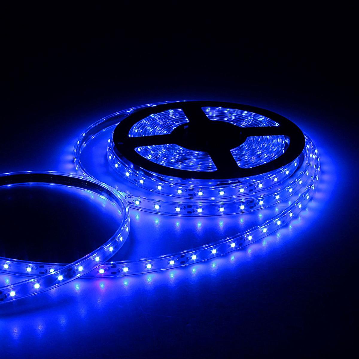 Светодиодная лента Sima-land, 12В, SMD3528, длина 5 м, IP68, 60 LED ламп, 4.8 Вт/м, 6-7 Лм/1 LED, DC, цвет: синий. 848566848566Светодиодные гирлянды, ленты и т.д — это отличный вариант для новогоднего оформления интерьера или фасада. С их помощью помещение любого размера можно превратить в праздничный зал, а внешние элементы зданий, украшенные ими, мгновенно станут напоминать очертания сказочного дворца. Такие украшения создают ауру предвкушения чуда. Деревья, фасады, витрины, окна и арки будто специально созданы, чтобы вы украсили их светящимися нитями.