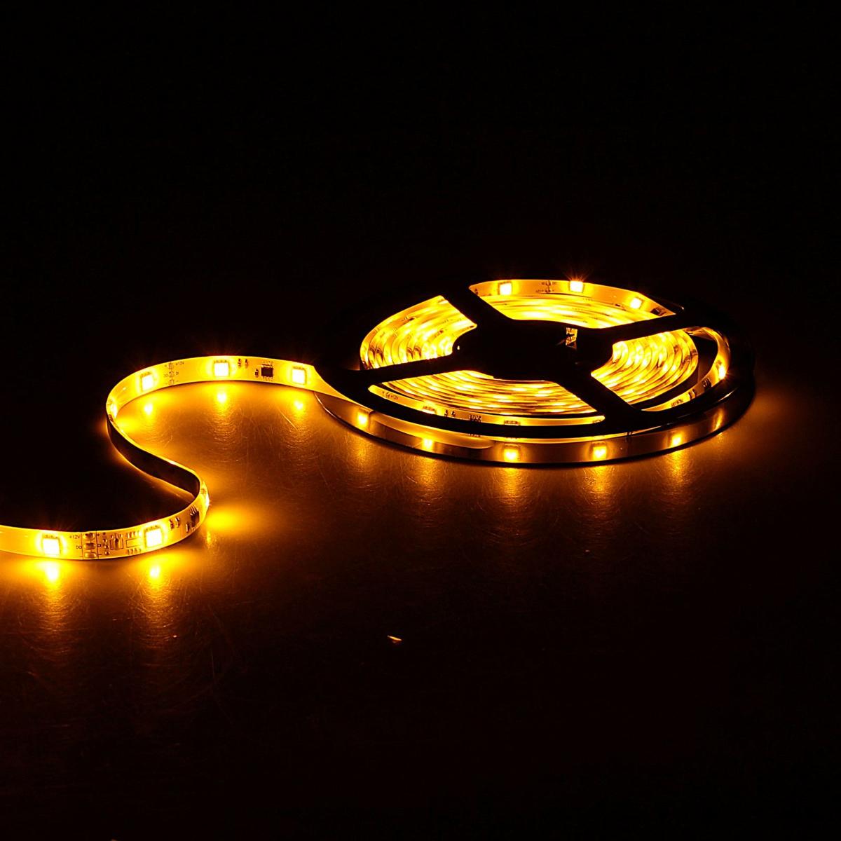 Светодиодная лента Sima-land, 12В, SMD5050, длина 5 м, IP65, 30 LED ламп, 7.2Вт/м, 10-12 Лм/1 LED, DC, цвет: желтый848581Светодиодные гирлянды, ленты и т.д — это отличный вариант для новогоднего оформления интерьера или фасада. С их помощью помещение любого размера можно превратить в праздничный зал, а внешние элементы зданий, украшенные ими, мгновенно станут напоминать очертания сказочного дворца. Такие украшения создают ауру предвкушения чуда. Деревья, фасады, витрины, окна и арки будто специально созданы, чтобы вы украсили их светящимися нитями.
