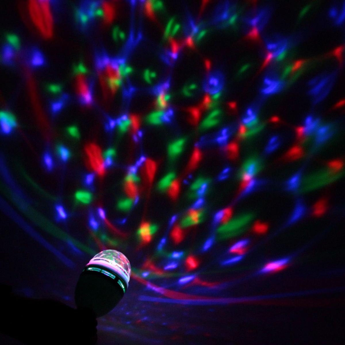 Лампа Luazon Хрустальный шар, диаметр 8 см, с подвесом, V220867653Светодиодные гирлянды, ленты и т.д — это отличный вариант для новогоднего оформления интерьера или фасада. С их помощью помещение любого размера можно превратить в праздничный зал, а внешние элементы зданий, украшенные ими, мгновенно станут напоминать очертания сказочного дворца. Такие украшения создают ауру предвкушения чуда. Деревья, фасады, витрины, окна и арки будто специально созданы, чтобы вы украсили их светящимися нитями.
