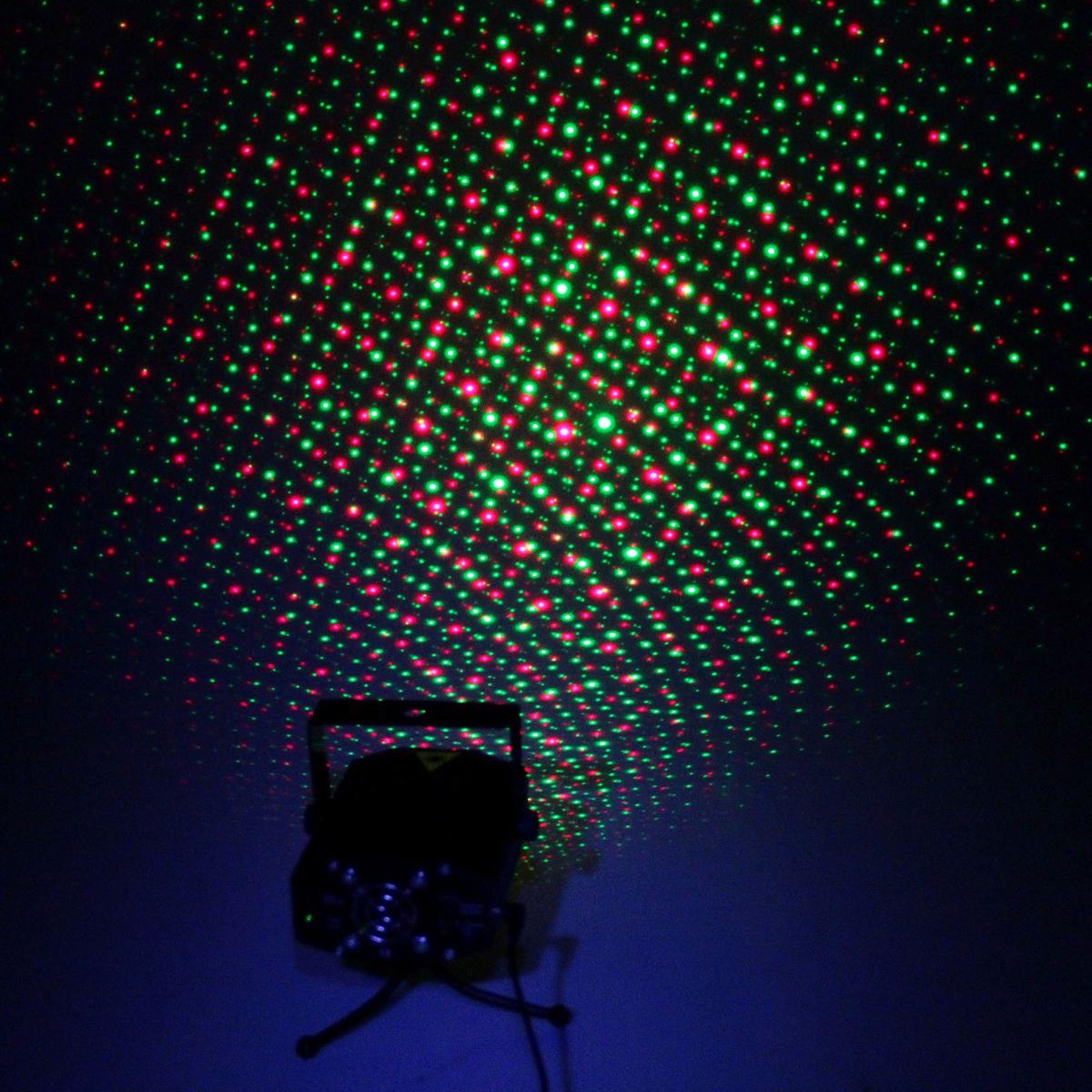 Световой прибор Sima-land, 1 картинка, корпус металл, С01А, 220V867684Светодиодные гирлянды, ленты и т.д — это отличный вариант для новогоднего оформления интерьера или фасада. С их помощью помещение любого размера можно превратить в праздничный зал, а внешние элементы зданий, украшенные ими, мгновенно станут напоминать очертания сказочного дворца. Такие украшения создают ауру предвкушения чуда. Деревья, фасады, витрины, окна и арки будто специально созданы, чтобы вы украсили их светящимися нитями.