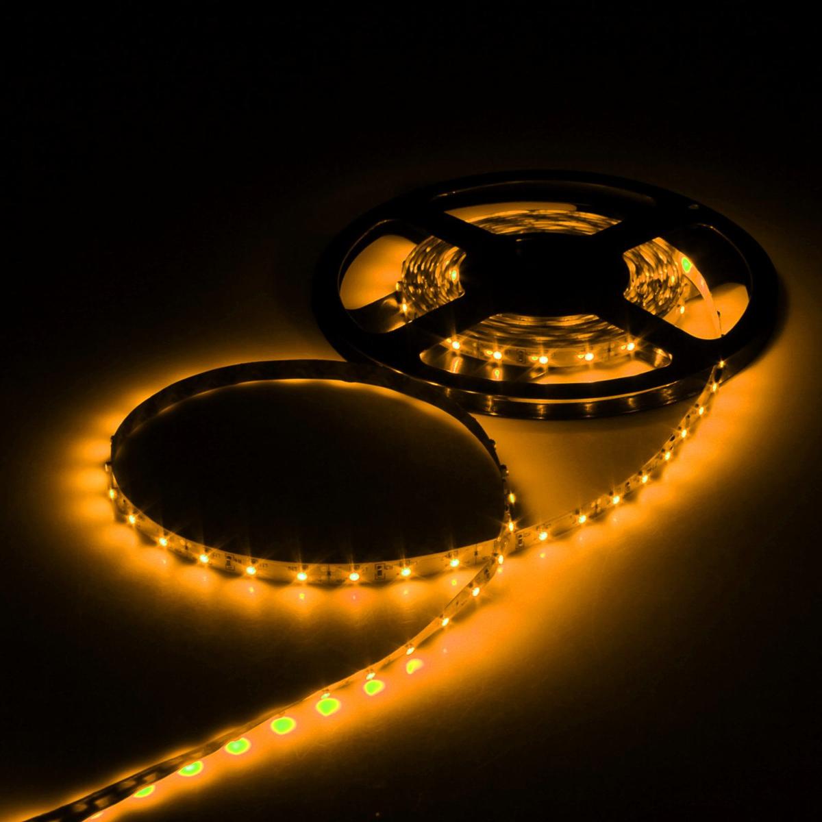 Светодиодная лента Luazon, 12В, SMD3528, длина 5 м, IP33, 60 LED ламп, 4.8 Вт/м, 6-7 Лм/1 LED, DC, цвет: желтый883871Светодиодные гирлянды, ленты и т.д — это отличный вариант для новогоднего оформления интерьера или фасада. С их помощью помещение любого размера можно превратить в праздничный зал, а внешние элементы зданий, украшенные ими, мгновенно станут напоминать очертания сказочного дворца. Такие украшения создают ауру предвкушения чуда. Деревья, фасады, витрины, окна и арки будто специально созданы, чтобы вы украсили их светящимися нитями.
