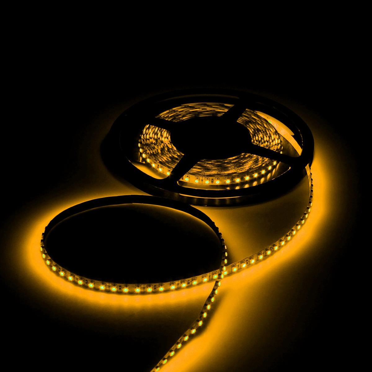 Светодиодная лента Luazon, 12В, SMD3528, длина 5 м, IP68, 60 LED ламп, 4.8 Вт/м, 6-7 Лм/1 LED, DC, цвет: желтый. 883887883887Светодиодные гирлянды, ленты и т.д — это отличный вариант для новогоднего оформления интерьера или фасада. С их помощью помещение любого размера можно превратить в праздничный зал, а внешние элементы зданий, украшенные ими, мгновенно станут напоминать очертания сказочного дворца. Такие украшения создают ауру предвкушения чуда. Деревья, фасады, витрины, окна и арки будто специально созданы, чтобы вы украсили их светящимися нитями.