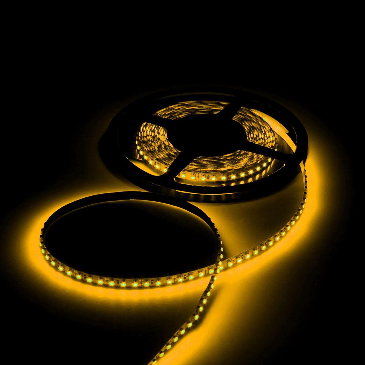 Светодиодная лента Luazon, 12В, SMD3528, длина 5 м, IP33, 120 LED ламп, 9.6 Вт/м, 6-7 Лм/1 LED, DC, цвет: желтый. 883895883895Светодиодные гирлянды, ленты и т.д — это отличный вариант для новогоднего оформления интерьера или фасада. С их помощью помещение любого размера можно превратить в праздничный зал, а внешние элементы зданий, украшенные ими, мгновенно станут напоминать очертания сказочного дворца. Такие украшения создают ауру предвкушения чуда. Деревья, фасады, витрины, окна и арки будто специально созданы, чтобы вы украсили их светящимися нитями.