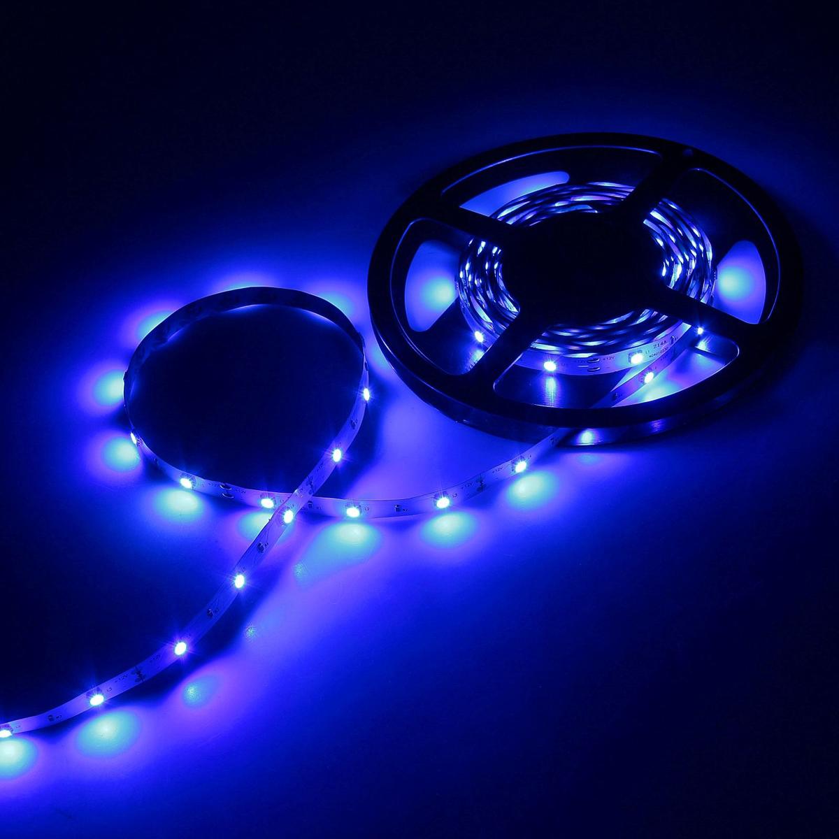 Светодиодная лента Luazon, 12В, SMD5050, длина 5 м, IP33, 30 LED ламп, 7.2 Вт/м, 14-16 Лм/1 LED, DC, цвет: синий883917Светодиодные гирлянды, ленты и т.д — это отличный вариант для новогоднего оформления интерьера или фасада. С их помощью помещение любого размера можно превратить в праздничный зал, а внешние элементы зданий, украшенные ими, мгновенно станут напоминать очертания сказочного дворца. Такие украшения создают ауру предвкушения чуда. Деревья, фасады, витрины, окна и арки будто специально созданы, чтобы вы украсили их светящимися нитями.