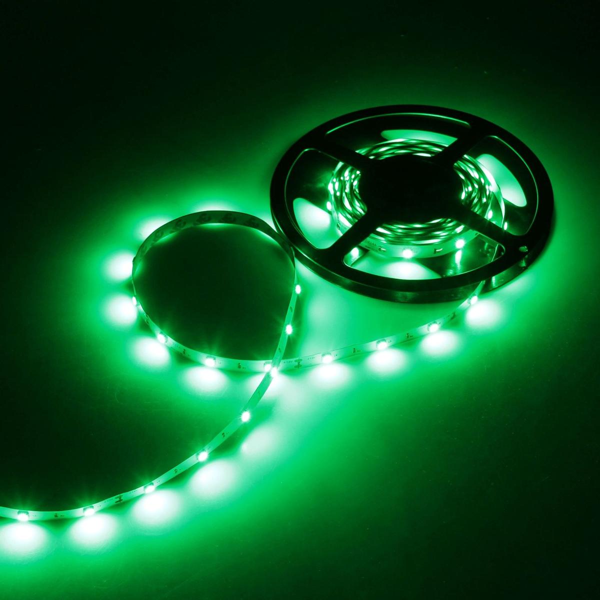 Светодиодная лента Luazon, 12В, SMD5050, длина 5 м, IP33, 30 LED ламп, 7.2 Вт/м, 14-16 Лм/1 LED, DC, цвет: зеленый883918Светодиодные гирлянды, ленты и т.д — это отличный вариант для новогоднего оформления интерьера или фасада. С их помощью помещение любого размера можно превратить в праздничный зал, а внешние элементы зданий, украшенные ими, мгновенно станут напоминать очертания сказочного дворца. Такие украшения создают ауру предвкушения чуда. Деревья, фасады, витрины, окна и арки будто специально созданы, чтобы вы украсили их светящимися нитями.